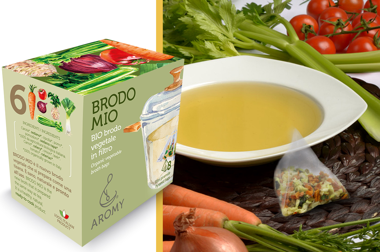 Organic vegetable broth in pyramid bags